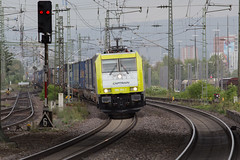 Captrain 186 154 Weil am Rhein (daveymills37886) Tags: captrain 186 154 weil am rhein baureihe bombardier traxx ms2e
