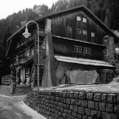 Campitello di Fassa (rotcauso) Tags: nettar zeiss ikon fomapan 200100 rodinal paolomartinelli autaut italia campitellodifassa italy bn bw film pellicola
