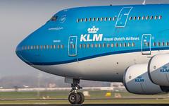 KLM 747-400 rocketing out of Amsterdam for Toronto (Nicky Boogaard) Tags: amsterdam amsterdamairport schiphol amsterdamschipholairport schipholairport winterlight polderbaan 18r36l boeing747 747400 klm phbfn
