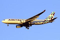 EI-GGP (JBoulin94) Tags: eiggp airitaly air italy airbus a330200 new york newyork johnfkennedy kennedy international airport jfk kjfk usa ny john boulin