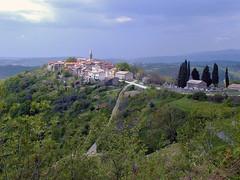Draguc (Vid Pogacnik) Tags: croatia hrvatska istra istria draguc draguć village hilltop biking
