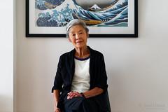 20181112-18-Mum with The Great Wave off Kanagawa (Roger T Wong) Tags: 2018 australia hobart rogertwong sel85f18z sony85mmf18 sonya7iii sonyalpha7iii sonyfe85mmf18 sonyilce7m3 tasmania person portrait