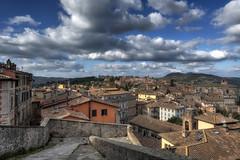 Perugia in Novembre (R.o.b.e.r.t.o.) Tags: perugia portasole quartiere umbria italia italy sky nuvole cielo clouds novembre november città city panorama vista view breathtaking scale stairs nikond850