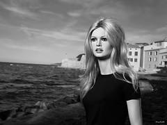 Brigitte Bardot in st-tropez ;-) (Terry Minella) Tags: mannequin art sculpture photo sttropez brigittebardot 60s 50s statue