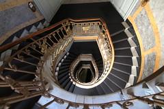Turn to black (Elbmaedchen) Tags: stairs staircase stairwell stufen steps treppenhaus treppenauge treppe escaliers escaleras upanddownstairs roundandround curves interior spirale spirals jugendstil artnouveau berlin vorherrotjetztschwarz