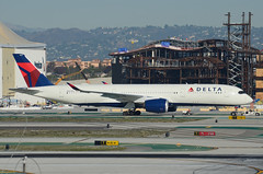 Delta Airlines A350-941 (N507DN) - LAX Taxiway C  (1) (hsckcwong) Tags: deltaairlines a350941 a350900 n507dn lax klax airbusa350