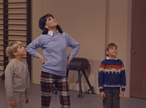 """Christopher Shea, Marlo Thomas, Jean-Michel Michenaud, That Girl, """"Christmas and the Hard-Luck Kid,"""" 1966"""