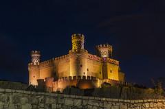 El castillo. (Amparo Hervella) Tags: manzanareselreal comunidaddemadrid españa spain paisaje castillo noche nocturna cielo largaexposición d7000 nikon nikond7000