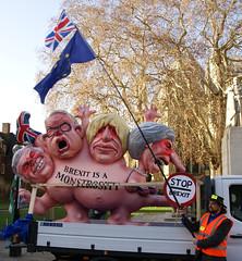 Brexit Protest (ChiralJon) Tags: brexit london westminster kingdom united europe eu gb european union demonstrators protest protestors photography news politics effigy londen londres londra londyn лондон 西敏寺 вестминстер ロンドン новости 新闻 nieuws wiadomości nouvelles noticias unión europea européenne europese unie
