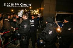 """Rechter Aufmarsch von """"Wir für Deutschland (WfD)"""" und antifaschistische Gegenproteste – 09.11.2018 – Berlin - IMG_9099 (PM Cheung) Tags: wirfürdeutschlandwfd trauermarschfürdieopfervonpolitik antifa gegenprotest berlinmitte demonstration verbot andreasgeisel novemberpogrome 09112018 regierungsviertel tiergarten hauptbahnhofberlin neonazis afd rechtspopulisten berlingegennazis 80jahrestagreichspogromnacht wfdaufmarsch auchnach80jahren–keinvergessenkeinvergeben reclaimclubculture faschismuswegbeamen polizei pmcheung demo protest kundgebung 2018 protestfotografie pomengcheung mengcheungpodemo antifaschisten b0911 wwwpmcheungcom rechtsruck berlinerbündnisgegenrecht lichtangegennazis facebookcompmcheungphotography"""