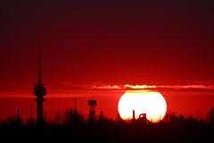 Budapest november 15. (HorvathZsolt73) Tags: sundown sunrise naplemente clouds sun landscape adótorony mátyásföld xvi budapest calmness