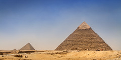 Great pyramid of Giza, Egypt (pas le matin) Tags: giza gizeh egypt égypte travel voyage world pyramid pyramide greatpyramidofgiza pyramidofkhufu pyramidofcheops cheops pyramidedekhéops grandepyramidedegizeh monument architecture khéops antiquity antiquité desert sand sable afrique africa ruins cairo lecaire canon 7d canon7d canoneos7d eos7d