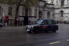 London Taxi (jaocana76) Tags: england inglaterra londres london taxi westminster barrido canon7d canon1635 canon viajes travel jaocana76 urban ciudad hackneycarriage theconditionsoffitness tx4 vmmotori maganesebronze