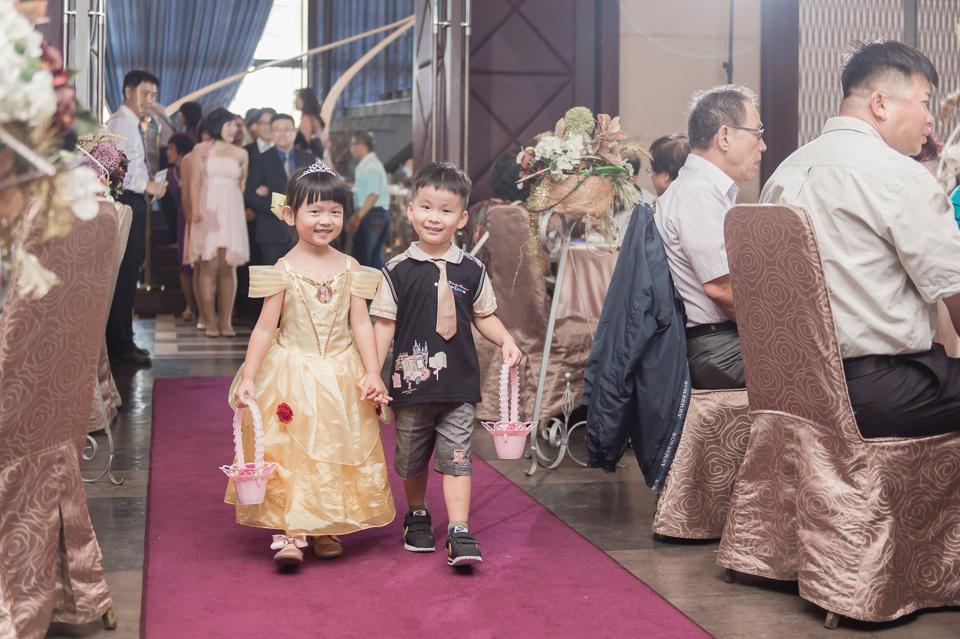 台南東東宴會式場 婚宴 走在幸福的紅毯上 R & B 102