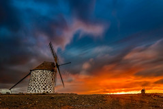 Fuerteventura (2) (Piotr Stachowiak) Tags: 2016 autumn canarias canary españa fuerteventura otoño september spain oliva molinos longexposure le piotrstachowiak nikon d90 dramatic sky windmill cloud