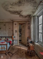 20180506_154115 (Symphony of Decay - Urbex) Tags: chateau ch abandonedmanor manor abandoneditaly italy abandonedpiano piano jeannot 700d canon abandoned abandon abandonné abandonnée abbandonato abbandonata ancien ancienne alone architecture decay decaying derelict dust decayed dusty destroyed forgotten forbidden interior inside interdit inexplore industrial industriel powerplant usine centrale explorationurbaine exploration explore exploring empty explo explored rust rusty ruins rotten trespassing urbex urban urbain urbaine urbanexploration interdite intérieur interieur old past photography lost light memories history nobody neglected building verlassen creepy strange castle