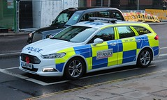 LJ16 FNR (Ben - NorthEast Photographer) Tags: city london police colp ford mondeo zetec dog car van poppy remembrance patrol 16plate st pauls cathedral dsu support unit lj16 fnr lj16fnr