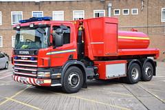 Warwickshire - BU53VYJ - Leamington Spa - PM (matthewleggott) Tags: warwickshire fire rescue service engine appliance leamington spa bu53vyj scania angloco pm prime mover wrc water carrier pod