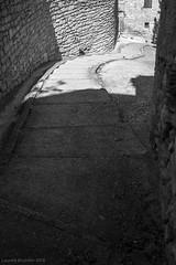 Balade dans les rues de Caromb -5 (LaurentBourdier) Tags: street rue streets caromb provence vaucluse france escaliers stairs pierres