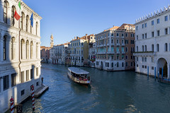View of the Grand Canal from the Rialto Bridge. Вид на Гранд Канал с моста Риальто. (atardecer2018) Tags: венеция италия 2018 venice italy water winter city