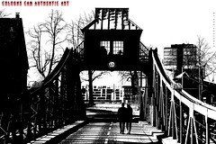 """Zweisam"" (Cologne Cam Authentic Art) Tags: art kunst urban city street streetshot streetphoto streetphotography people blackandwhite blackwhite bw bwphotography schwarzweiss contrast light monochrome abstract köln cologne keulen germany brücke bridge"