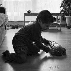 130213 exH 190112 © Théthi (thethi: pls read my first comment, tks) Tags: enfance enfant people découverte apprentissage son musique xylophone février contrejour bruxelles brussels belgique belgium c4 carre bw nb setbwsepia faves36