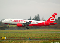 LAUDA MOTION A320 D-AEUE (Adrian.Kissane) Tags: a320 d–aeue shannon lauda 4161 1012019 airbus jet airport ireland aviation shannonairport landing