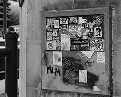 Stuck (RW Sinclair) Tags: 2019 chicago february fuji fujifilm fujinon ilc mirrorless winter xt1 xf xf1855 zoom bnw blackandwhite monochrome sticker stickers street streetart art