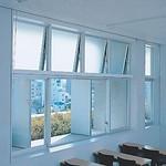 自然風力換気窓の写真