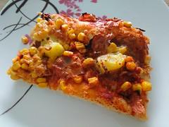 2018-02-18 11.38.46 (Kirayuzu) Tags: essen food selbstgemacht selbstgekocht pizza mais salami speck bacon ananas jalapeno