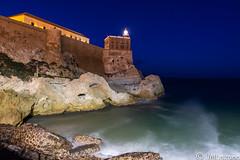 Noches de mal tiempo (josmanmelilla) Tags: melilla mar nocturna agua olas temporal sony españa photowalkmelilla photowalk pwmelilla pwdmelilla flickphotowalk pwdemelilla