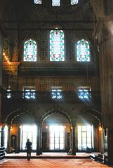 Praying time (Anselmo Portes) Tags: turkey turquia istanbul istambul mosk mesquita light silhouette silhueta window windows interior