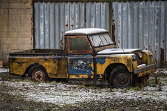 Land Rover (deltic17) Tags: scrap scrapyard junk classic classiccar landrover snow cold frost derelict abandoned vintage landy old canon canon5dmk4 art artistic photograph urban urbex urbanexploring barn barnfind