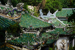 The roofs of Marble Mountains - Nearby Hoi an (Steffen Brüggemann) Tags: dragon roof vietnam marblemountain hoian travel marble sonya7iii sony zeiss2470f4 zeiss zoom asia asien middlevietnam architecture buddhismus buddhism tempel religion happyplanet asiafavorites