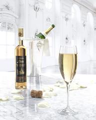 036FG (ARTBUND) Tags: sekt champagner champain food drink glas