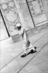knight of faith (bostankorkulugu) Tags: pattern geometry white arab muslim qubbatassakhrah kubbetüssahra domeoftherock templemount jerusalem walk architecture islam holyland israel islamicarchitecture