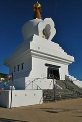 Benalmádena Stupa (olenka :)) Tags: benalmádenastupa benalmádena málaga costadelsol stupa andalusia arch color espana europe light naturallight nikkorafsdx1855mmf3556gvr nikon nikond60 outdoor shadow sky spain andalucia karmakagyu blue white