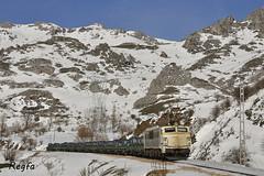 Villanueva de la Tercia (REGFA251013) Tags: tren pajares payares puerto comboio 251 5100 catilla y leon adif renfe mercancias trasona arcelor bobinas asturias nieve snow
