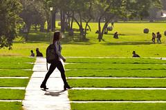 Caminante en la UNAM (Erik Alcantara) Tags: unam people mexico cdmx girl