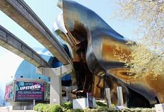 USA - WA - Seattle - MOPOP (mda'skaly) Tags: seattle architecture musee mopop usa reflets reflections urban