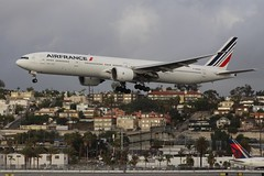 Air France (So Cal Metro) Tags: airfrance boeing 777 773 777300 777300er fgsqu airline airliner airplane aircraft plane jet aviation airport san sandiego lindberghfield jumbo jumbojet