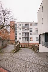 In Hamburg-Mümmelmannsberg, Am Stadtrand (srbanister) Tags: deutschland europa europe germany hamburg mümmelmannsberg stadt stadtsichten sugarraybanister tristesse urban urbanism urbanismus wohnklotz