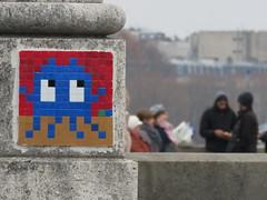 Space Invader PA_343 (tofz4u) Tags: 75016 paris streetart artderue invader spaceinvader spaceinvaders mosaïque mosaic tile pa343 blue yellow red rouge jaune bleu reactivated restauré spacerescueintl reactivationteam