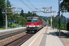 wb_120728_27 (Prefektionist) Tags: 1144 50mmf14d austria bahn d700 eisenbahn loweraustria niederösterreich nikon oebb pressbaum rail railroad railway train trains westbahn öbb österreich at