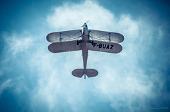 Dans les nuages (Alexandre DAGAN) Tags: voltige maineetloire france avion plane aerobatic aérodromedancenis airfield sky ciel nuages clouds biplan bleu blue pilot pilote groupenuagesetciel