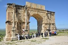 group photo at the triumphal arch (cam17) Tags: morocco volubilis romanruins triumphalarch groupphoto tourgroup