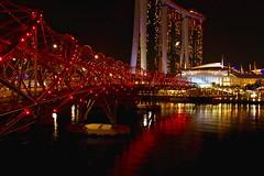 Double-Helix Bridge & Marina Bay Sands (adamsgc1) Tags: doublehelixbridge marinabaysands singapore night reflection red