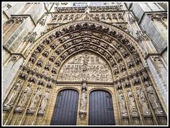 Paseando por Bélgica (edomingo) Tags: edomingo olympusomdem10 mzuiko918 amberes bélgica arquitectura catedral gótico paisesbajos
