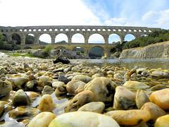 DSCN2053 (alainazer2) Tags: pontdugard france pont bridge water eau acqua pierres stones ciel cielo sky viaduc rivière river gard