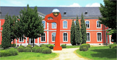 Le château du Val Saint-Lambert, Seraing, Province de Liège, Belgium (claude lina) Tags: claudelina belgium belgique belgïe provincedeliège seraing valsaintlambert musée museum cristallerieduvalsaintlambert sculpture louisleloup